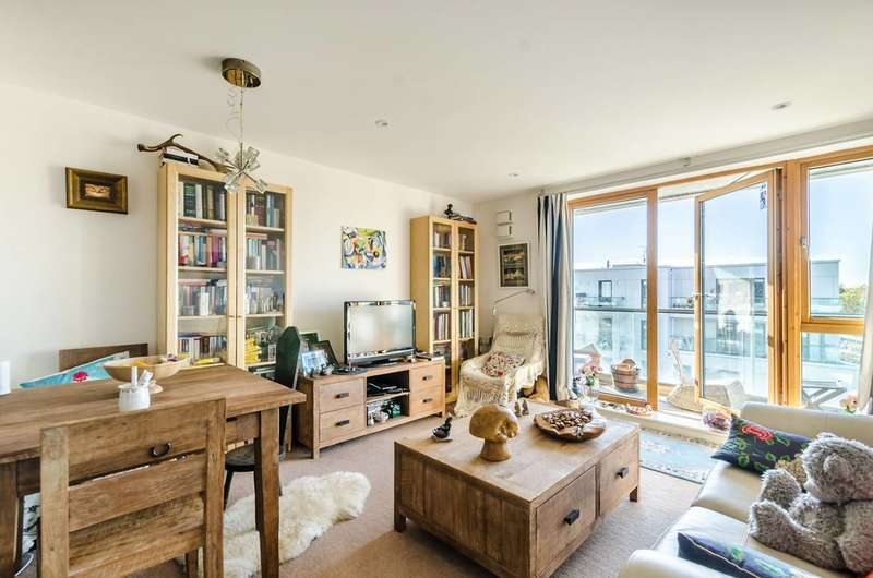 1 Bedroom Flat for sale in Dairy Close, Parsons Green, SW6