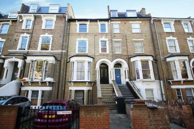 7 Bedrooms Terraced House for sale in Amhurst Road, London, Greater London, N16 7UX