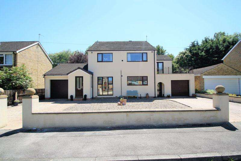 4 Bedrooms Detached House for sale in Valley Gardens, Stockton, TS19 8BE