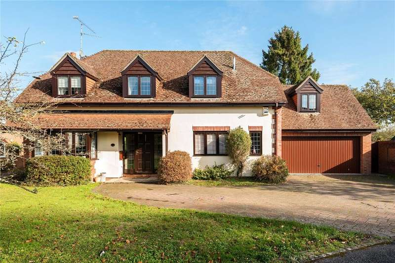 4 Bedrooms Detached House for sale in Duchess Close, Alton, Hampshire, GU34