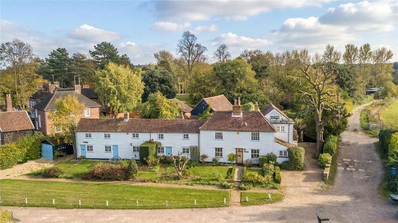 7 Bedrooms Detached House for sale in Upshirebury Green, Waltham Abbey, Essex, EN9