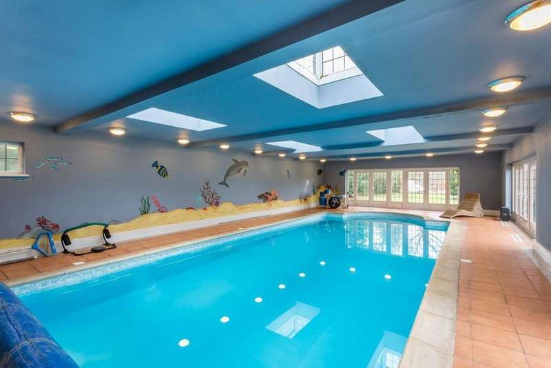 5 Bedrooms Detached House for sale in Forshaw Heath Road, Earlswood