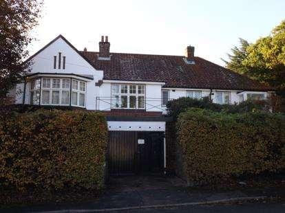 4 Bedrooms Bungalow for sale in Cromer, Norfolk, United Kingdom