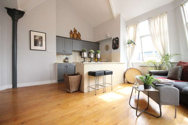 2 Bedrooms Apartment Flat for sale in Whitworth House, 53 Whitworth Street, Manchester