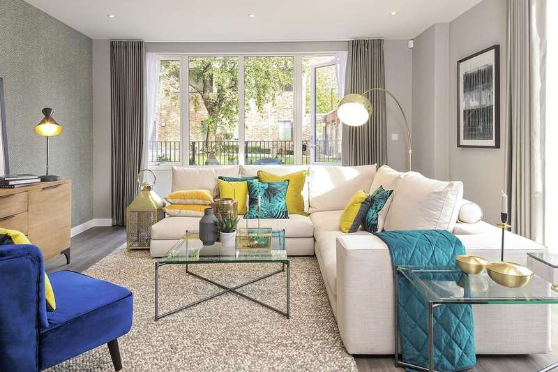 3 Bedrooms Apartment Flat for sale in Acton Gardens, West Park Gate, W3