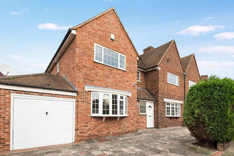4 Bedrooms Semi Detached House for sale in The Underwood London SE9