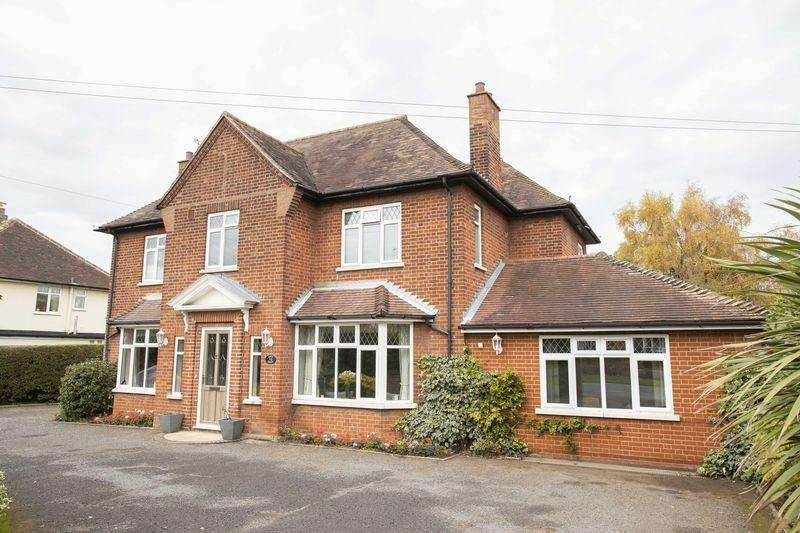 4 Bedrooms Detached House for sale in Westley Road, Bury St. Edmunds