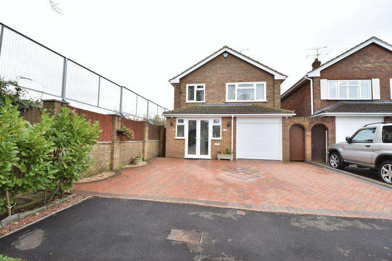 4 Bedrooms Detached House for sale in London Road