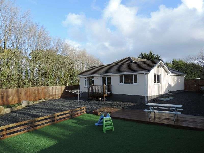 4 Bedrooms Property for sale in Molly Park North Country, Redruth