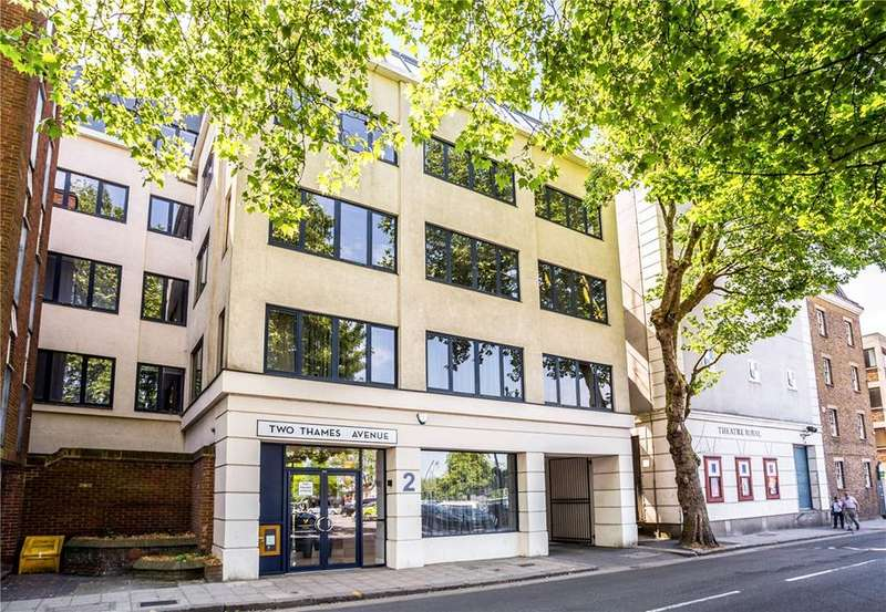 2 Bedrooms Flat for sale in Thames Avenue, Windsor, Berkshire, SL4