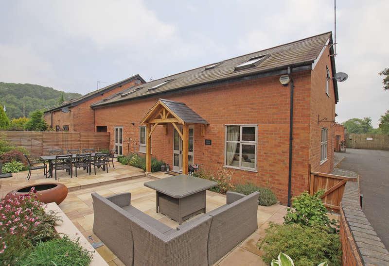 3 Bedrooms Unique Property for sale in Kiln Court, Alvechurch, Birmingham, B48 7SZ
