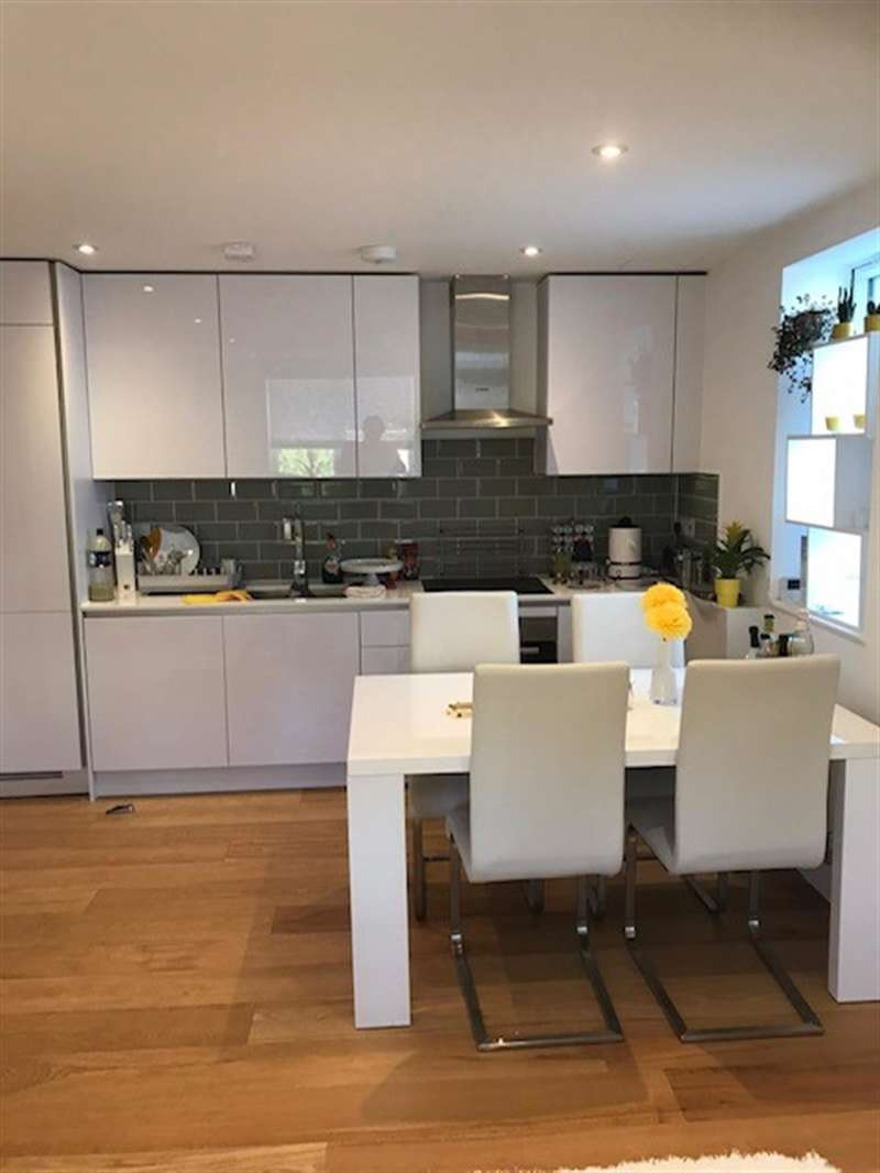 1 Bedroom Flat for sale in Albany Road, Ealing, London, W13 8PG