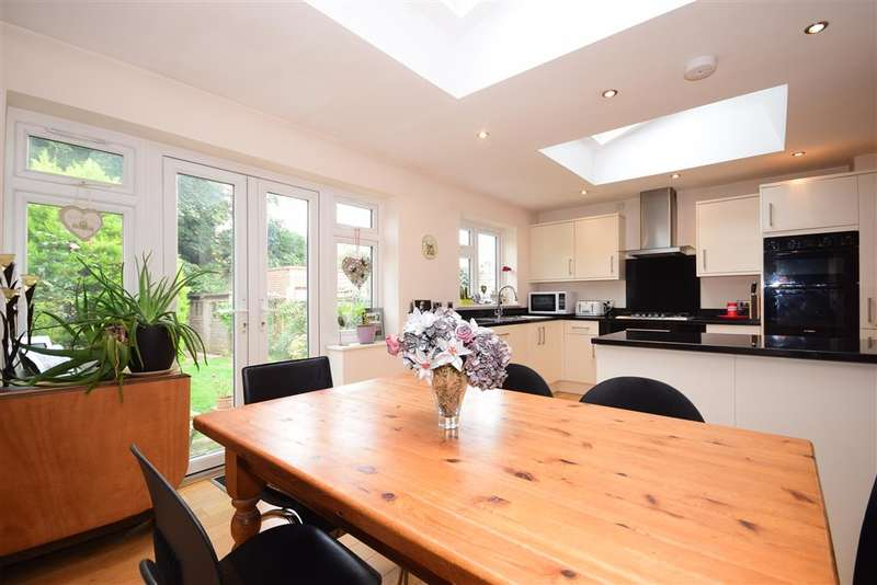 4 Bedrooms Semi Detached House for sale in Horn Lane, , Woodford Green, Essex