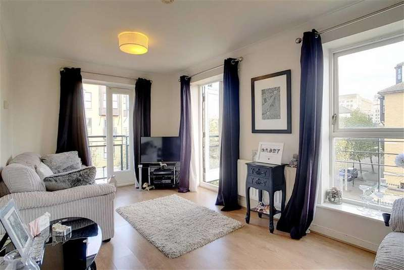 2 Bedrooms Flat for sale in South Lodge, Britannia Village, London