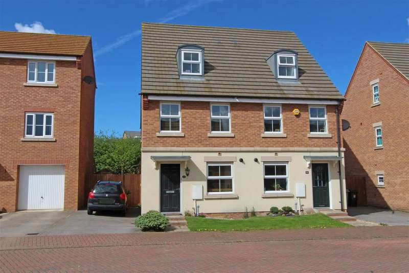 3 Bedrooms Semi Detached House for sale in Newbury Crescent, Bourne