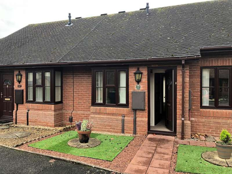 2 Bedrooms Bungalow for sale in Beechurst Gardens, Albrighton, West Midlands, WV7
