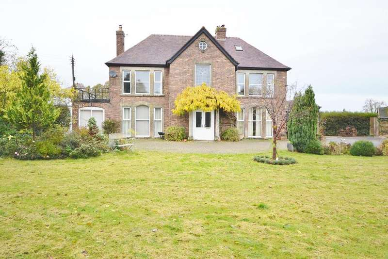 3 Bedrooms Detached House for sale in Taits Hill Road, Stinchcombe, GL11 6PT