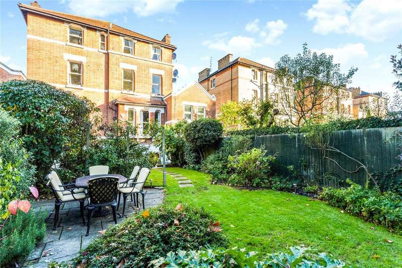 2 Bedrooms Flat for sale in Colinette Road, Putney, London, SW15