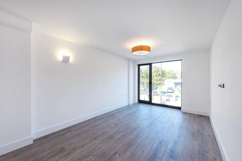 2 Bedrooms Apartment Flat for sale in Well Street