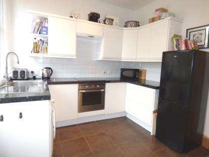 2 Bedrooms End Of Terrace House for sale in Wellington Street, Ashton, Preston, Lancashire, PR1