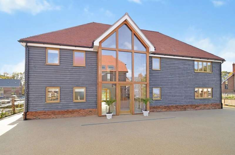 6 Bedrooms Detached House for sale in Boughton Park, Grafty Green