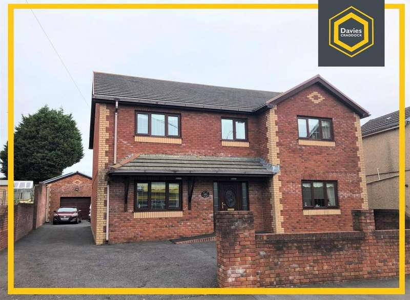 4 Bedrooms Detached House for sale in Llwynhendy Road, Llanelli, SA14