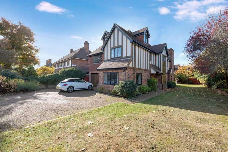 5 Bedrooms Detached House for sale in St. Georges Road, Bickley