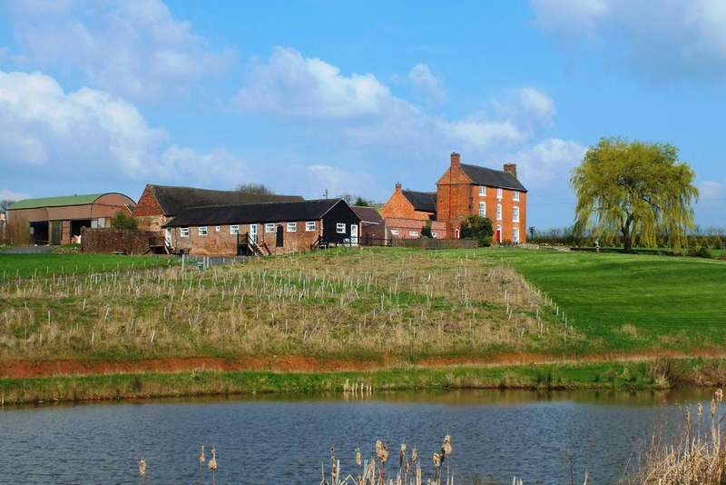 5 Bedrooms Farm House Character Property for sale in Hurley Common, Warwickshire CV9