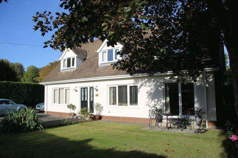 4 Bedrooms Detached House for sale in Chapel Road, Abergavenny