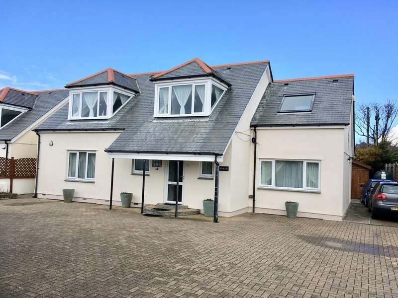 4 Bedrooms Detached House for sale in Castle Drive, Praa Sands