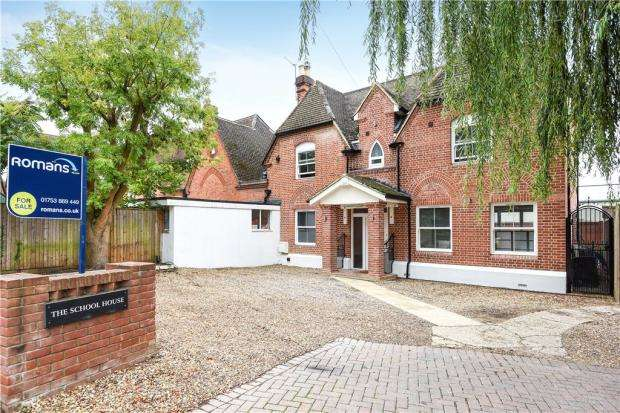 6 Bedrooms Semi Detached House for sale in Hatch Lane, Windsor, Berkshire