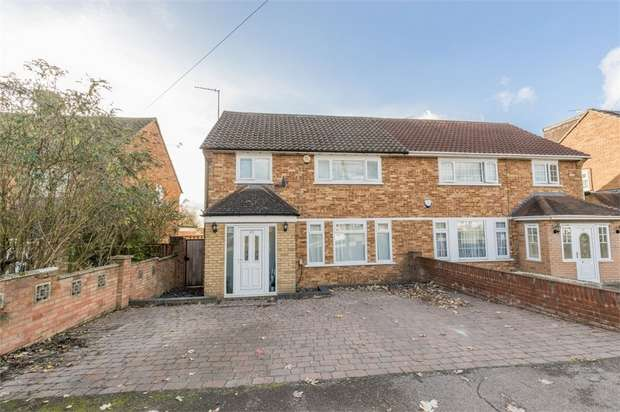 4 Bedrooms Semi Detached House for sale in Stanborough Avenue, Borehamwood, Hertfordshire