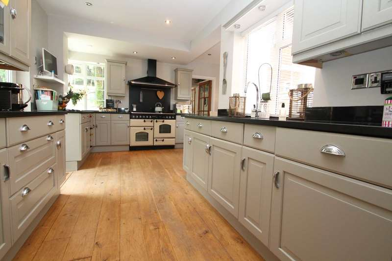 3 Bedrooms Detached House for sale in STUNNING 3 or 4 BED DETACHED home in KINGS LANGLEY