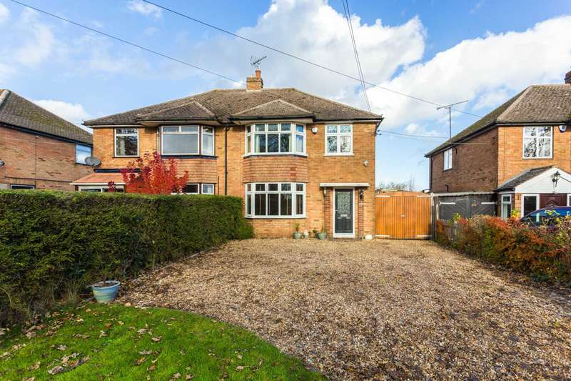 3 Bedrooms Semi Detached House for sale in Common Road, Kensworth