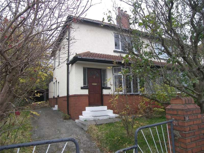 3 Bedrooms Semi Detached House for sale in 39 Easterly Crescent, Leeds
