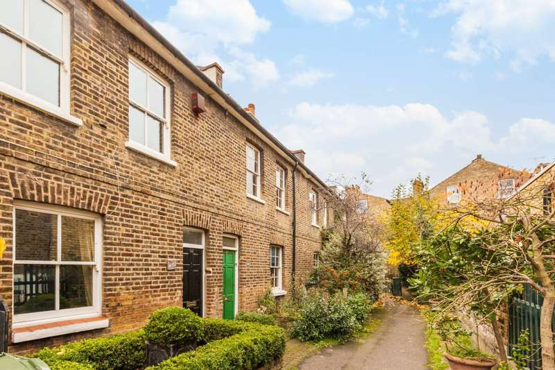 3 Bedrooms House for sale in Archbishops Place, Brixton Hill, SW2