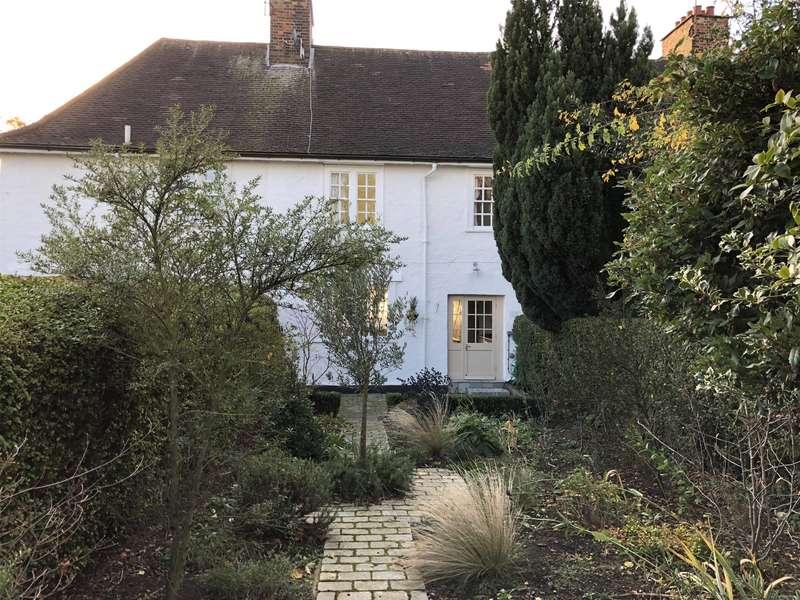 3 Bedrooms Property for sale in Willifield Way, Hampstead Garden Suburb