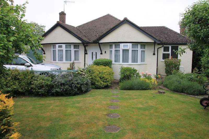 3 Bedrooms Detached Bungalow for sale in Cranbourne Avenue, Windsor