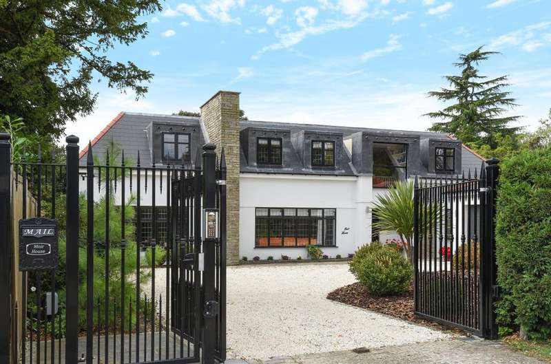 5 Bedrooms Detached House for sale in St Georges Road, Bickley, Bromley, Kent, BR1 2AU