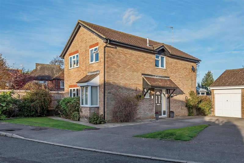4 Bedrooms Detached House for sale in Rugby Close, Seaford