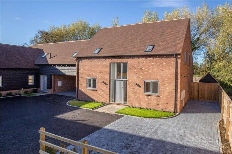3 Bedrooms Semi Detached House for sale in Burwood Court, Brook End, Weston Turville, Buckinghamshire
