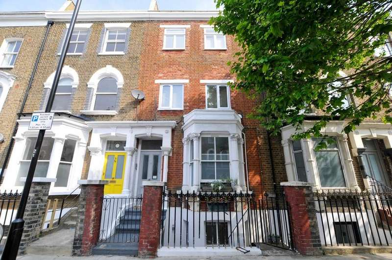 1 Bedroom Flat for sale in Dunlace Road, Clapton, London