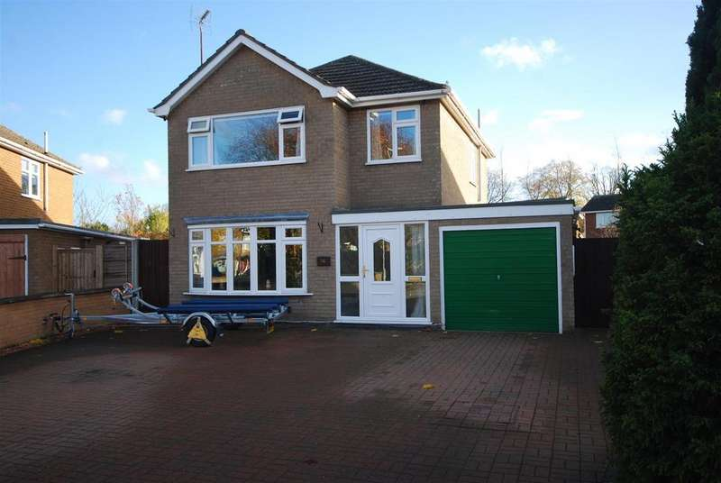 3 Bedrooms Detached House for sale in Malvern Avenue, Spalding
