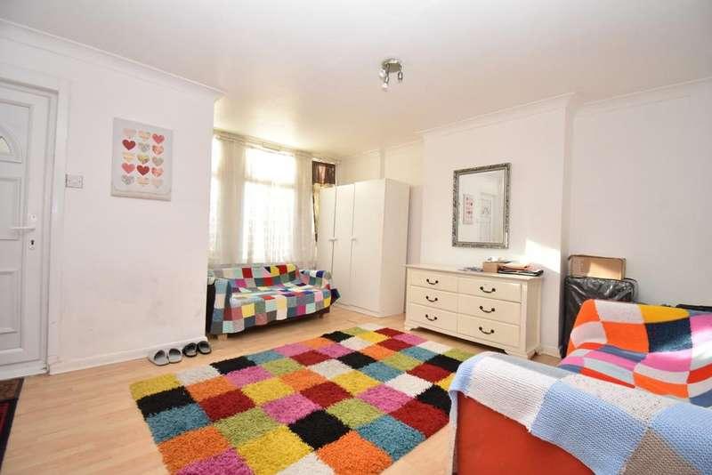 1 Bedroom Flat for sale in Plumstead High Street London SE18