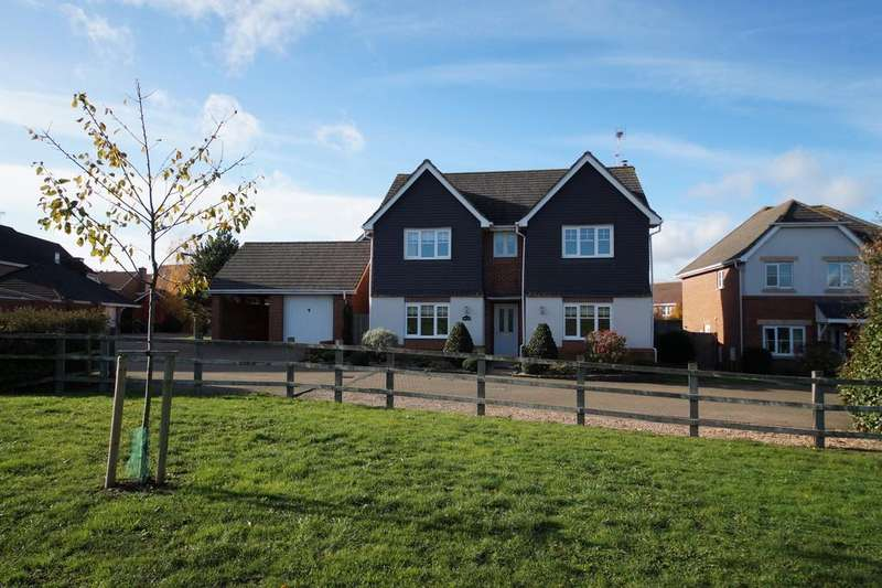4 Bedrooms Detached House for sale in Redes Close, Hook