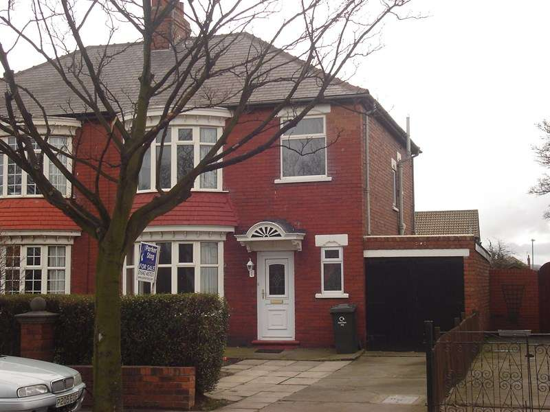 3 Bedrooms Property for sale in Corporation Road, Redcar, Redcar, Cleveland, TS10 1PB