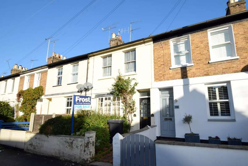 2 Bedrooms Terraced House for sale in Oxford Road, Windsor, SL4
