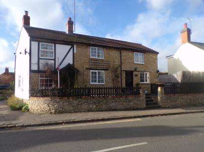3 Bedrooms Detached House for sale in Bridgend, Carlton, Bedfordshire