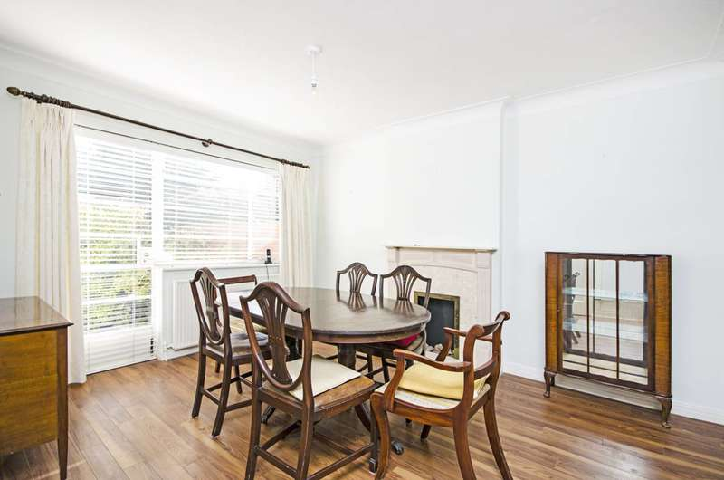 4 Bedrooms House for sale in Hutchings Walk, Hampstead Garden Suburb, NW11