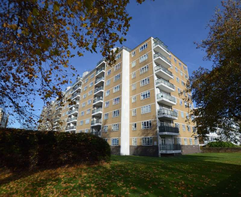 2 Bedrooms Flat for sale in Keats House, Churchill Gardens, Pimlico, London, SW1V 3HY